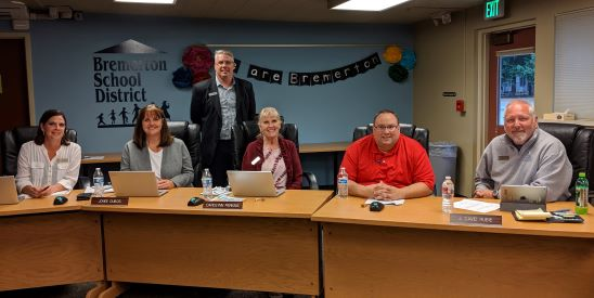 Bremerton School Board recognized as Board of Distinction for 2019